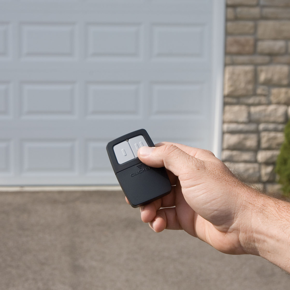 How To Choose A Quality Garage Door Opener