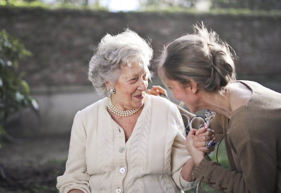 Caring-for-elderly-parents-at-home-without-burning-yourself-out
