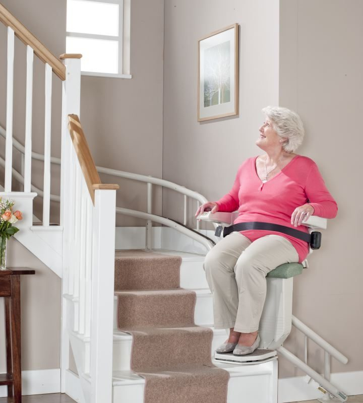 Advantages and Drawbacks of Stair Lifts