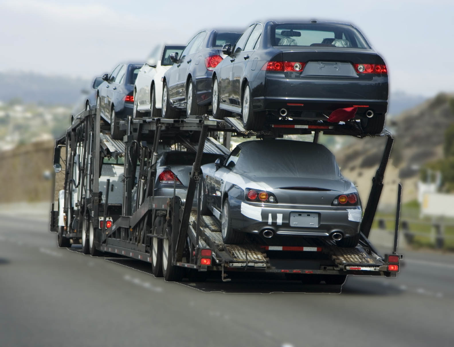 Relocating abroad - why choose international vehicle transport services
